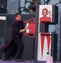 ct-ny-ma-entertainer-pictures-magician-illusions-assistants